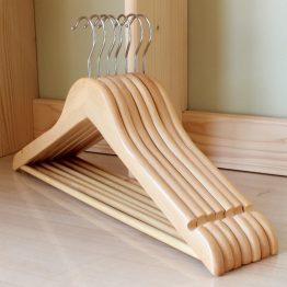 móc treo quần áo gỗ